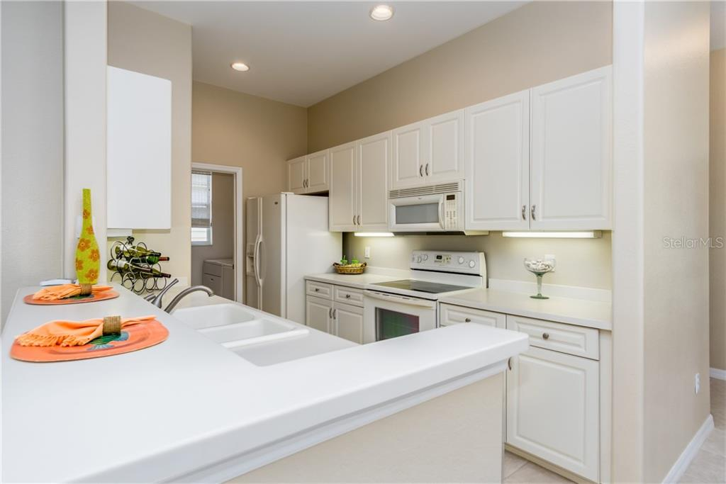 Corian Counters - Condo for sale at 1910 Triano Cir #1910, Venice, FL 34292 - MLS Number is N6106332
