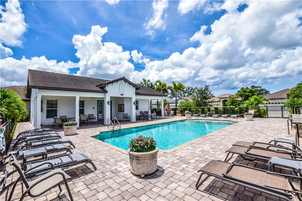 Community Pool - Single Family Home for sale at 2098 Piave Ln, Venice, FL 34292 - MLS Number is N6106526
