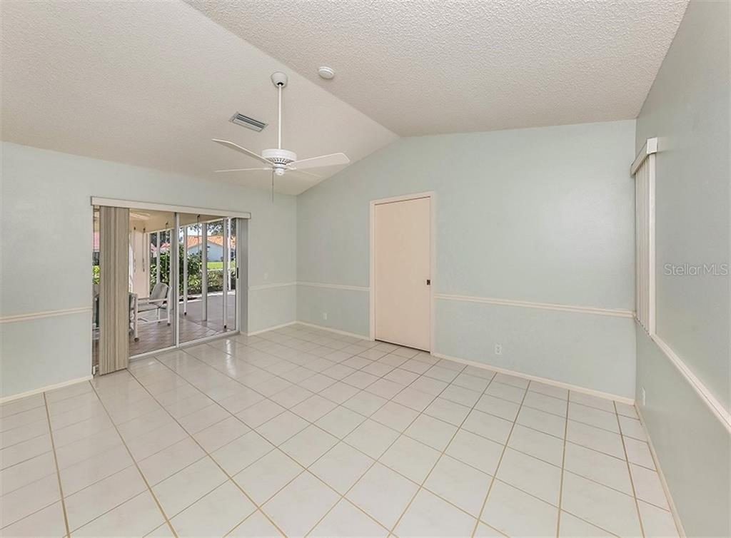 Master bedroom - Single Family Home for sale at 4822 Limetree Ln, Venice, FL 34293 - MLS Number is N6106780