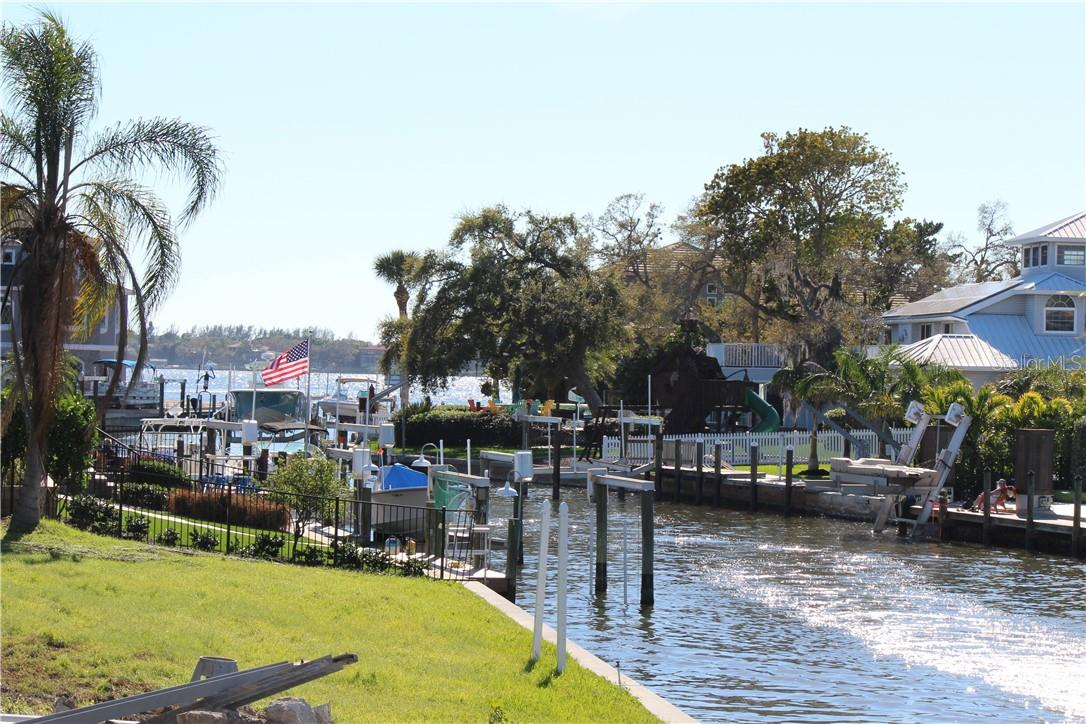Vacant Land for sale at Holiday Dr, Sarasota, FL 34231 - MLS Number is N6107040