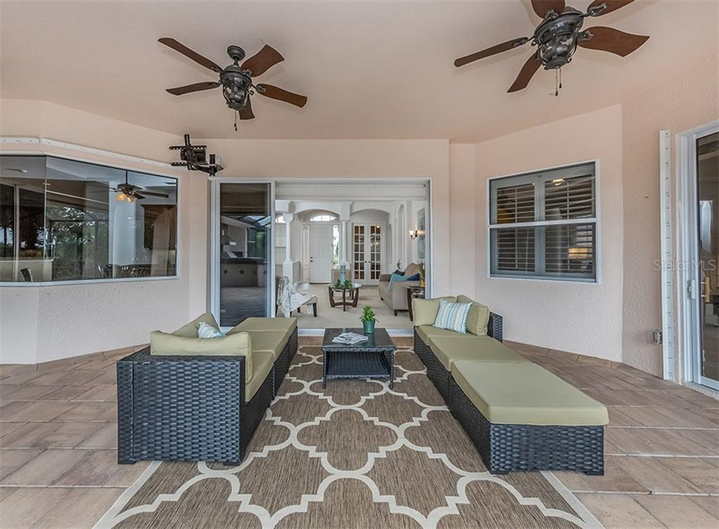 Spacious Lanai - Single Family Home for sale at 262 Pesaro Dr, North Venice, FL 34275 - MLS Number is N6107589
