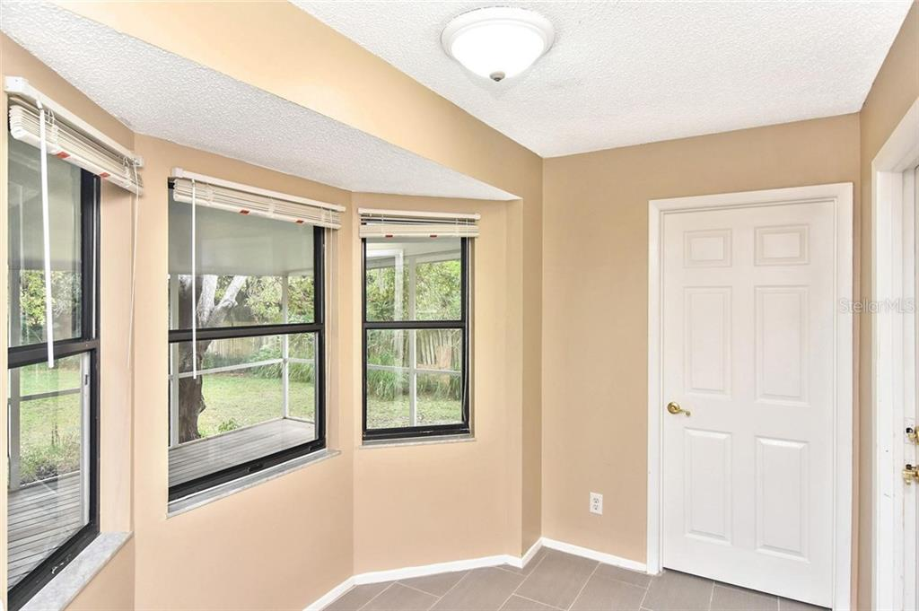 Dinette - Single Family Home for sale at 5681 Hale Rd, Venice, FL 34293 - MLS Number is N6107822