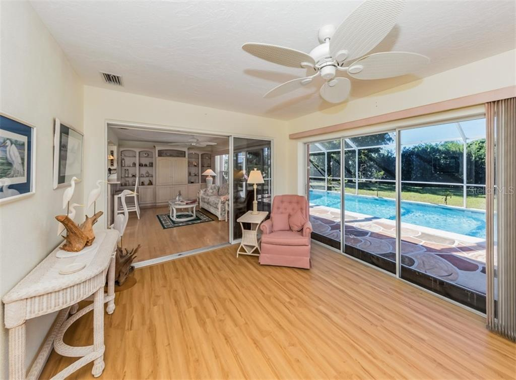 Florida room - Single Family Home for sale at 500 Harbor Dr S, Venice, FL 34285 - MLS Number is N6108518