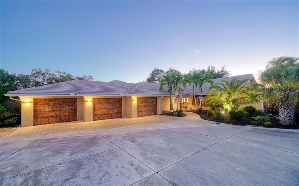 New Attachment - Single Family Home for sale at 925 Bayshore Rd, Nokomis, FL 34275 - MLS Number is N6108586