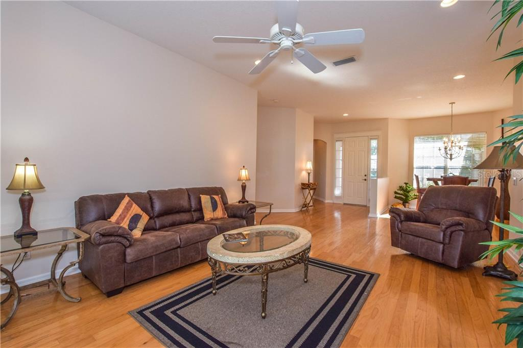Single Family Home for sale at 902 Bramley Ct #2, Venice, FL 34293 - MLS Number is N6108754