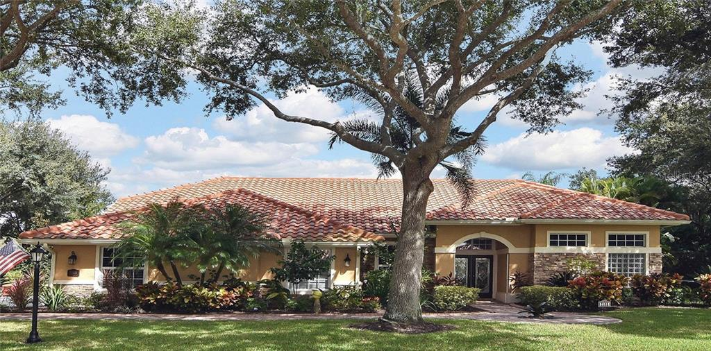 Who wouldn't like to come home to this gorgeous house! - Single Family Home for sale at 7185 N Serenoa Dr, Sarasota, FL 34241 - MLS Number is N6109058