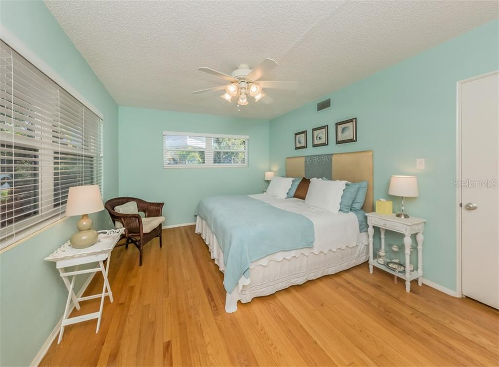 Bedroom 2 - Single Family Home for sale at 717 Valencia Rd, Venice, FL 34285 - MLS Number is N6109082