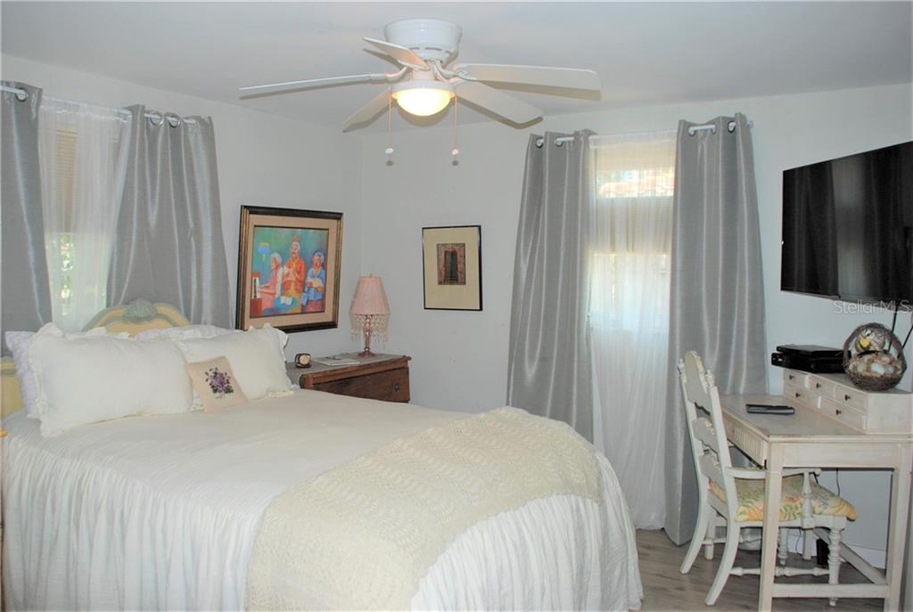Master bedroom - Single Family Home for sale at 508 Nassau St S, Venice, FL 34285 - MLS Number is N6109180
