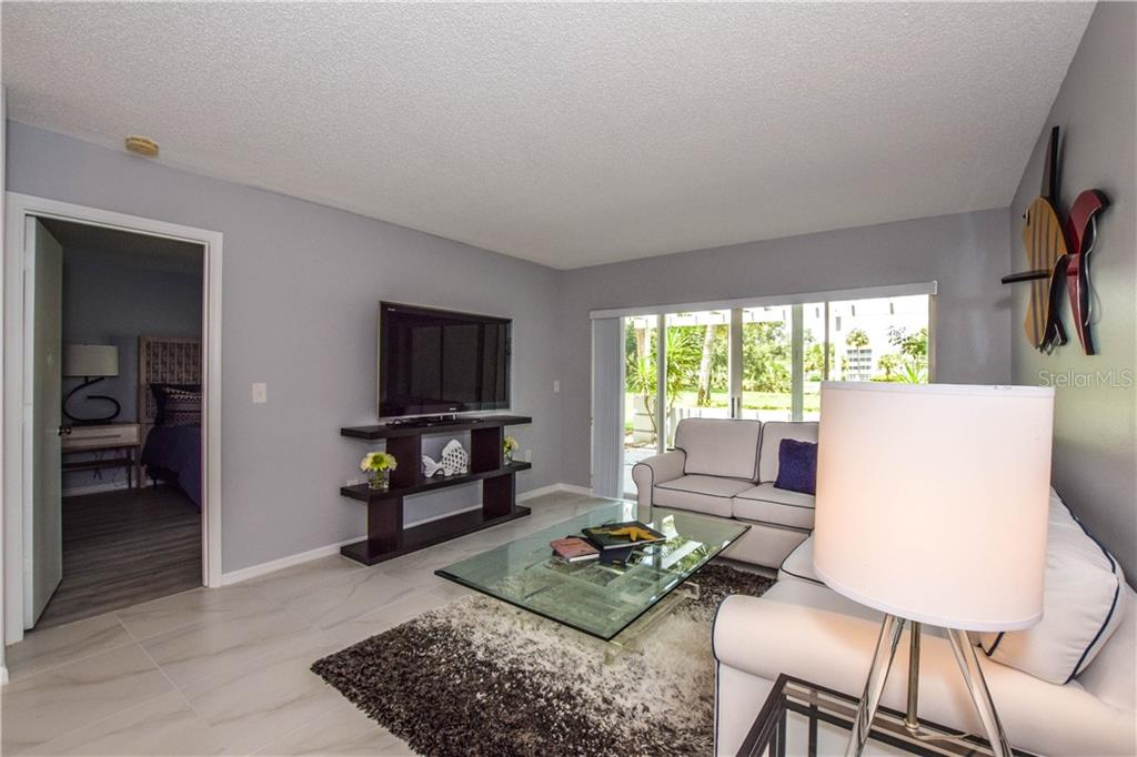 Condo for sale at 404 Cerromar Cir N #110, Venice, FL 34293 - MLS Number is N6109897