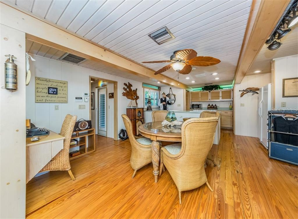 Guest house dining area - Single Family Home for sale at 2208 Casey Key Rd, Nokomis, FL 34275 - MLS Number is N6110959