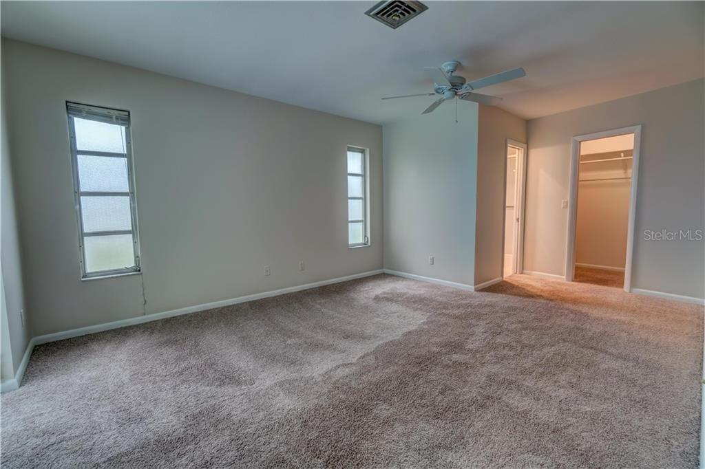 Master Suite - Single Family Home for sale at 158 Golf Club Ln, Venice, FL 34293 - MLS Number is N6111200