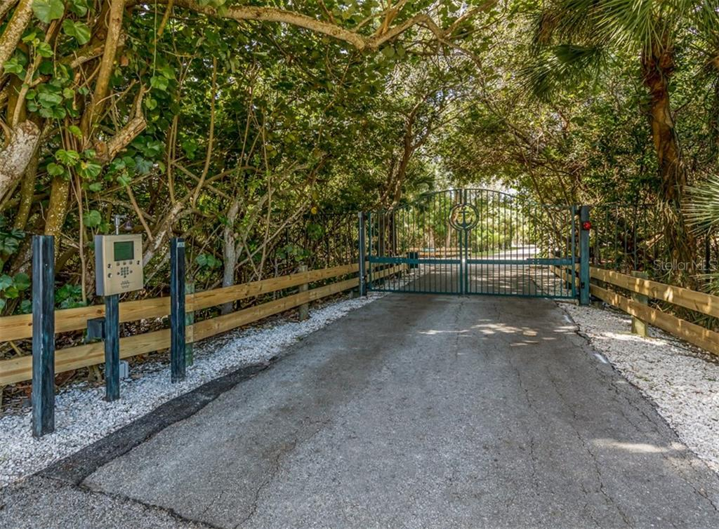 Gated entry - Single Family Home for sale at 453 Anchorage Dr, Nokomis, FL 34275 - MLS Number is N6112707