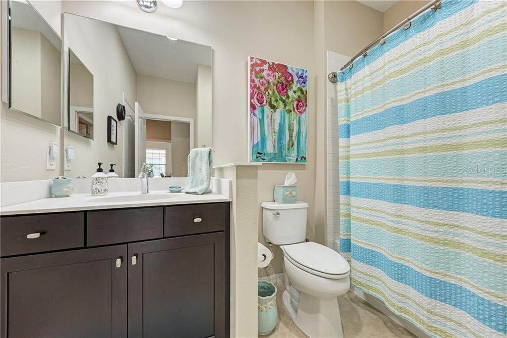 Bathroom #2 - Villa for sale at 11433 Okaloosa Dr, Venice, FL 34293 - MLS Number is N6113314