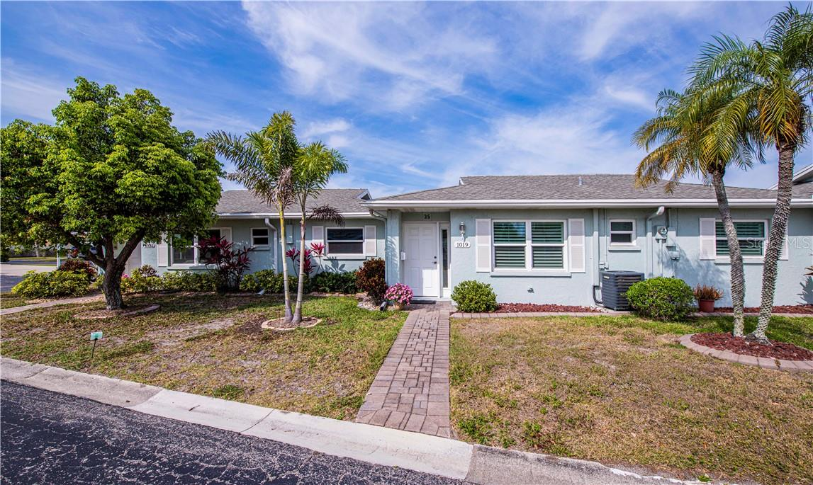 Condo Rider - Villa for sale at 1019 Beach Manor Ctr #35, Venice, FL 34285 - MLS Number is N6114592