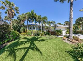 727 Eagle Point Dr, Venice, FL 34285