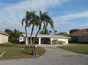 Single Family Home for sale at 821 Robert St, Venice, FL 34285 - MLS Number is N5911479