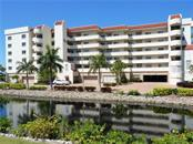 Condo for sale at 550 W Flamingo Dr #305, Venice, FL 34285 - MLS Number is N5912581