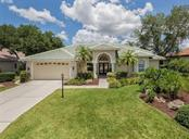 Front Exterior - Single Family Home for sale at 279 Royal Oak Way, Venice, FL 34292 - MLS Number is N5912986