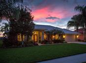 530 Lake Of The Woods Dr, Venice, FL 34293