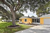 Front - Single Family Home for sale at 615 Lehigh Rd, Venice, FL 34293 - MLS Number is N6108175