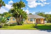 Single Family Home for sale at 111 Sunset Dr, Nokomis, FL 34275 - MLS Number is N6109627