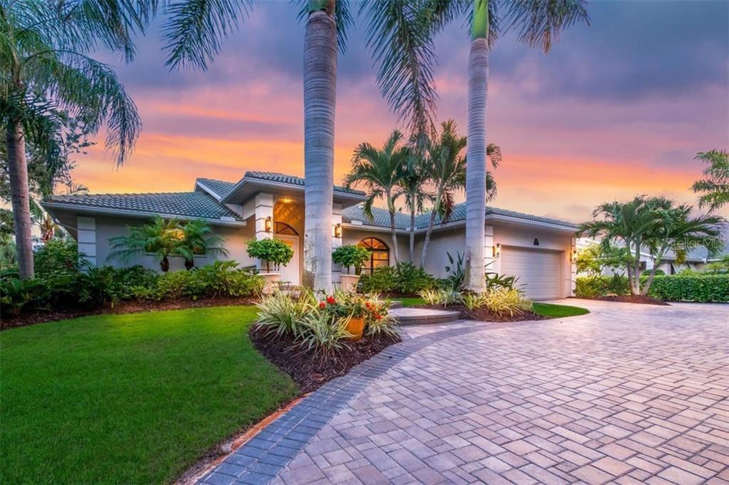 Maison unifamiliale pour l Vente à 260 Capstan Dr 260 Capstan Dr Cape Haze, Florida,33946 États-Unis