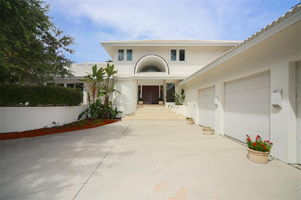 Maison unifamiliale pour l Vente à 1850 Bayshore Dr 1850 Bayshore Dr Englewood, Florida,34223 États-Unis