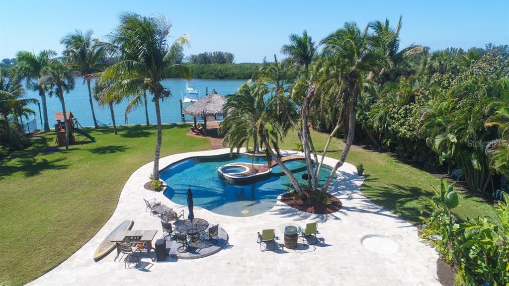 土地 / 的地塊 為 出售 在 325 Green Dolphin Dr 325 Green Dolphin Dr Placida, 佛羅里達州,33946 美國