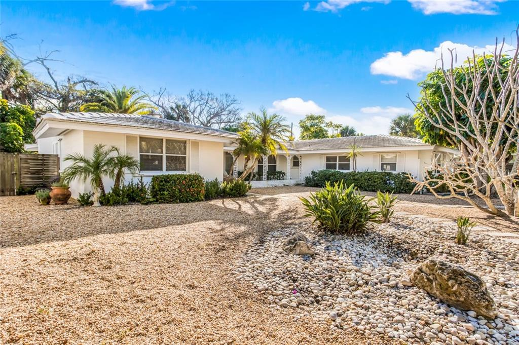 Single Family Home for sale at 440 Gilchrist Ave, Boca Grande, FL 33921 - MLS Number is D6104704