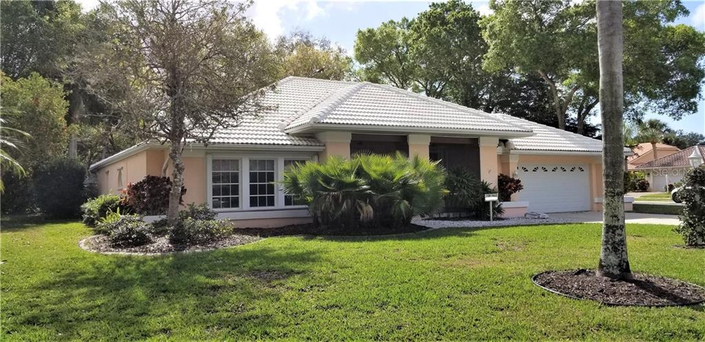 Single Family Home for sale at 570 Park Estates Sq, Venice, FL 34293 - MLS Number is D6111121