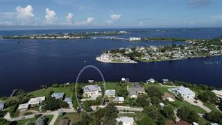 1636 New Point Comfort Rd, Englewood, FL 34223