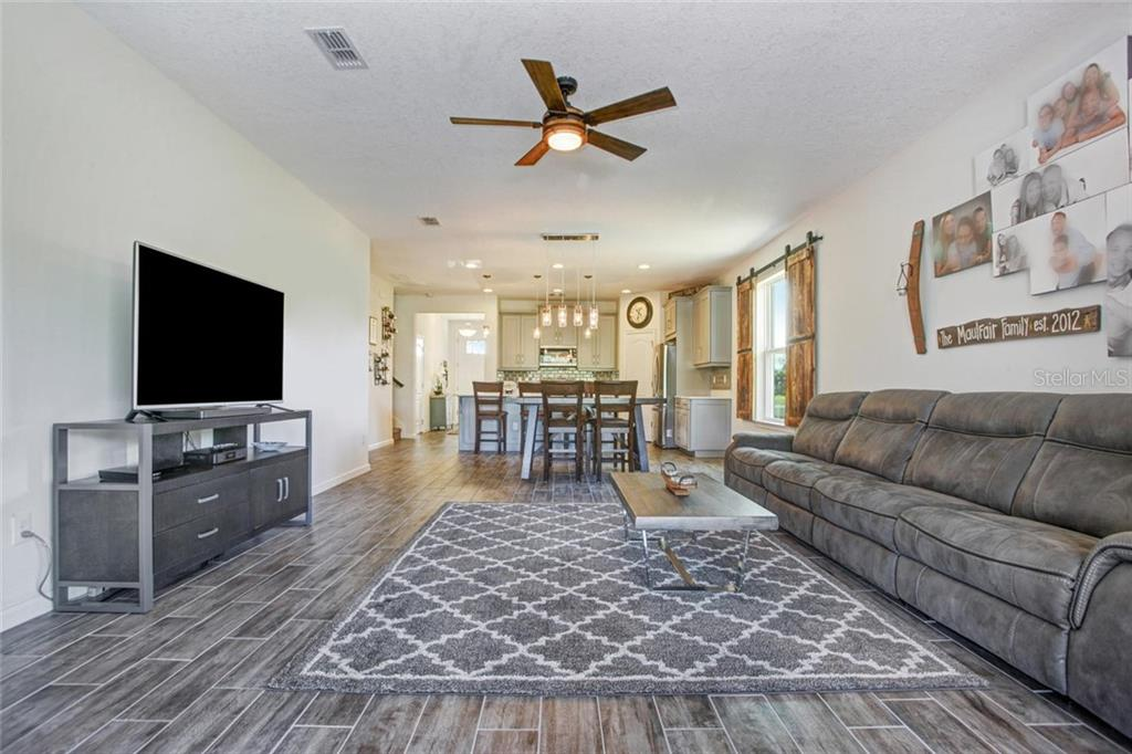 Single Family Home for sale at 5332 Applegate Ct, Bradenton, FL 34211 - MLS Number is T3169261