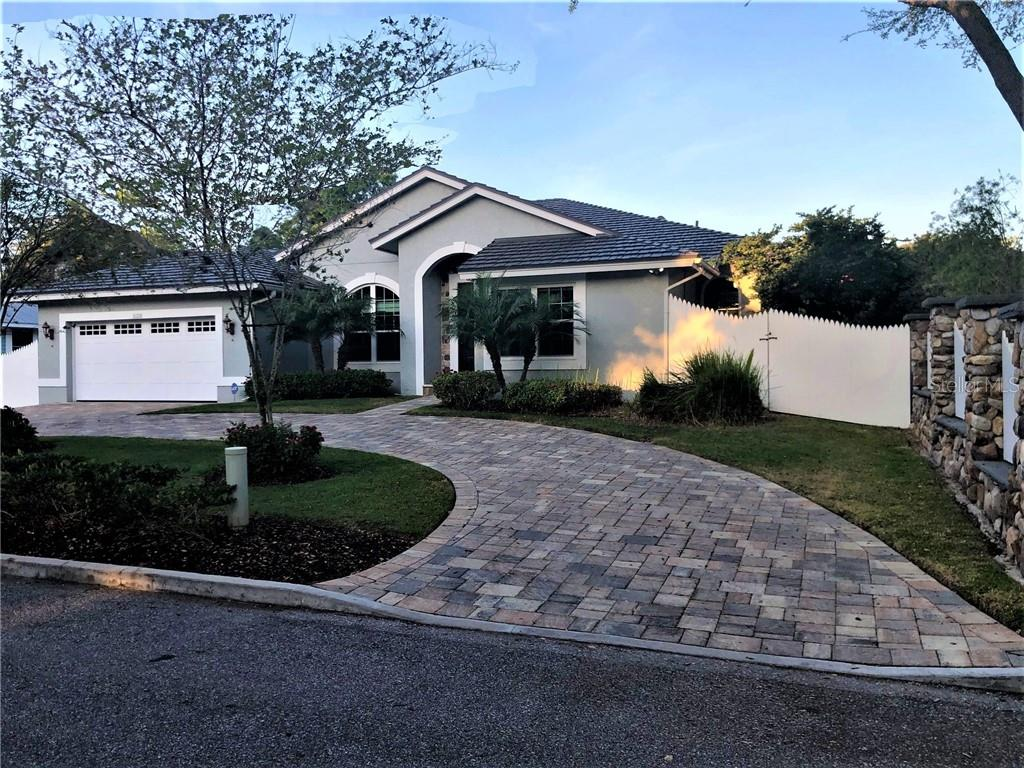 Single Family Home for sale at 922 Citrus Ave, Sarasota, FL 34236 - MLS Number is T3227302
