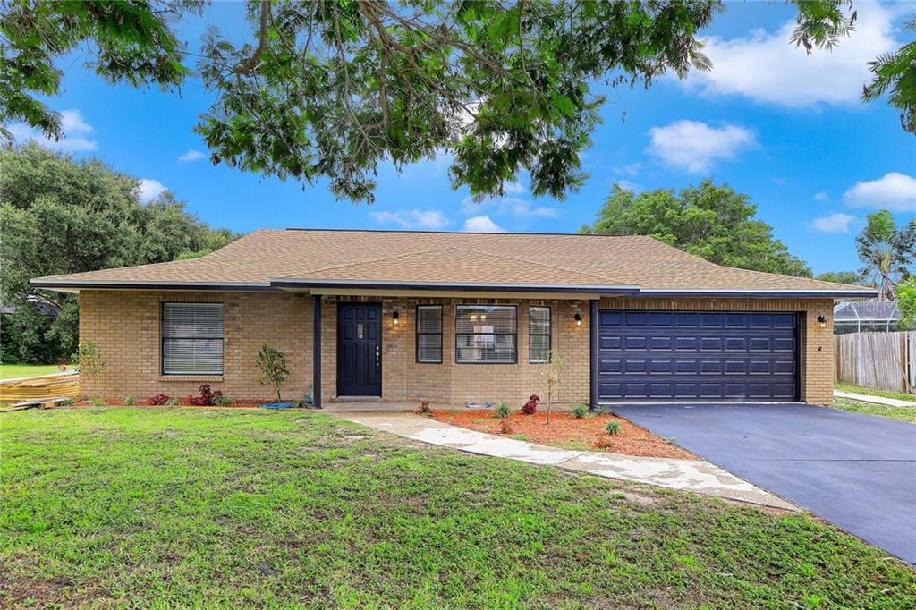 Single Family Home for sale at 8401 13th Ave Nw, Bradenton, FL 34209 - MLS Number is T3254430