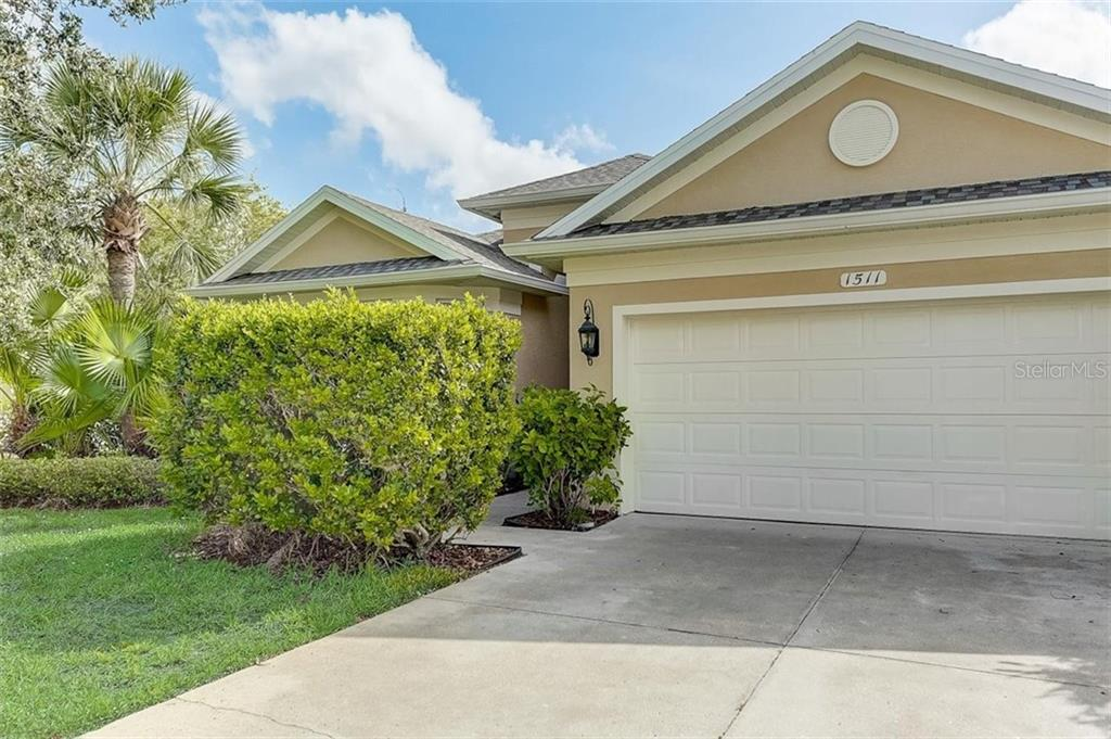 Single Family Home for sale at 1511 Dixie Ln, North Port, FL 34289 - MLS Number is T3272707
