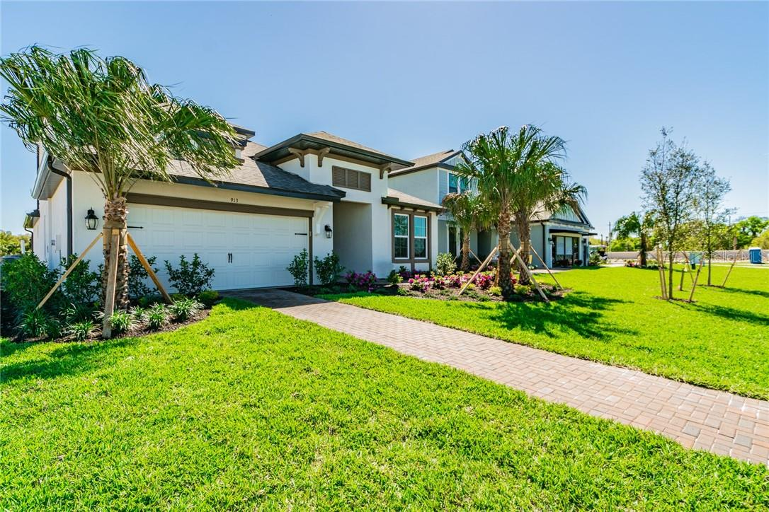 Single Family Home for sale at 913 Whimbrel Run, Bradenton, FL 34212 - MLS Number is R4903128