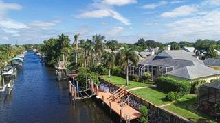 4423 Shark Dr, Bradenton, FL 34208