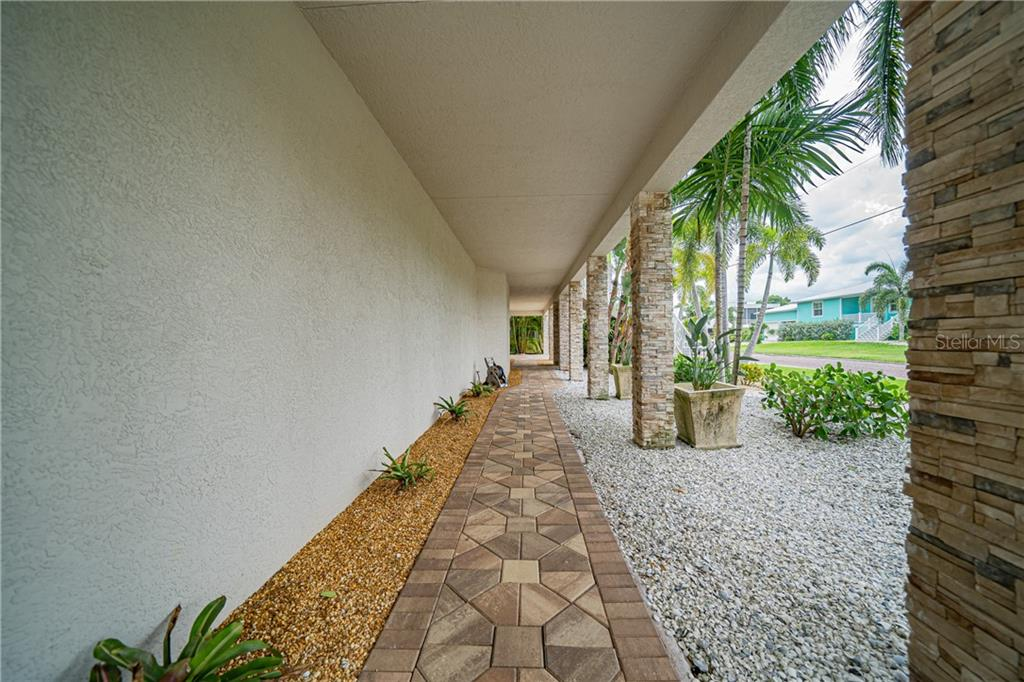 Single Family Home for sale at 122 Berry St, Punta Gorda, FL 33950 - MLS Number is C7429893