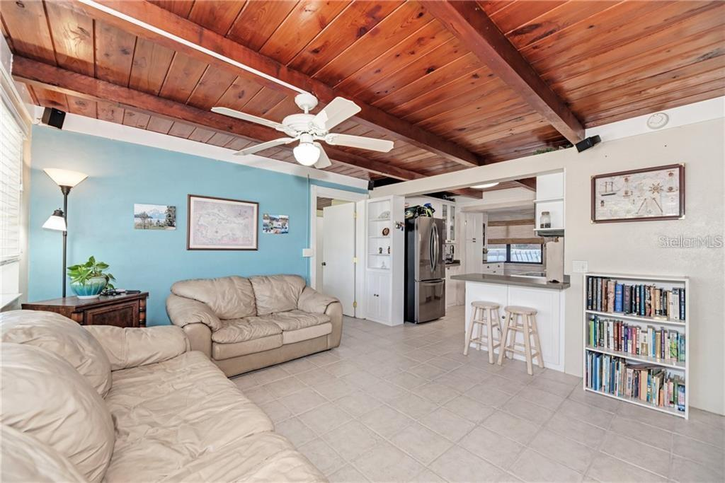 1340 Holiday Dr, Englewood, FL 34223 - MLS C7437638