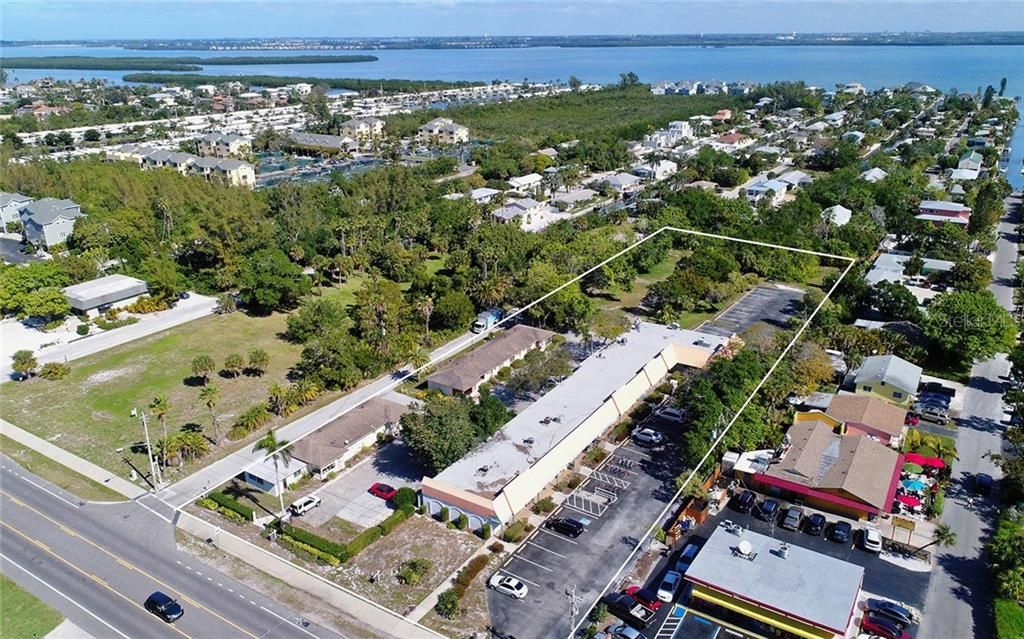 Terrain / Lots pour l Vente à 5610 & 5620 Gulf Of Mexico Dr #1 5610 & 5620 Gulf Of Mexico Dr #1 Longboat Key, Florida,34228 États-Unis