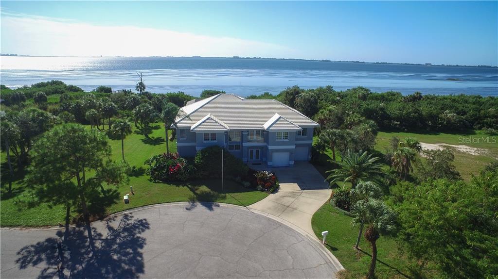 Maison unifamiliale pour l Vente à 5016 64th Dr W 5016 64th Dr W Bradenton, Florida,34210 États-Unis