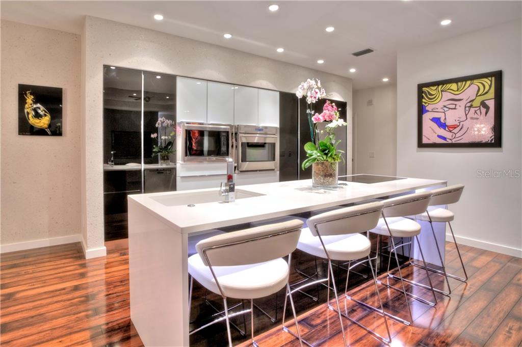 Additional photo for property listing at 5016 64th Dr W 5016 64th Dr W 布雷登顿, 佛罗里达州,34210 美国