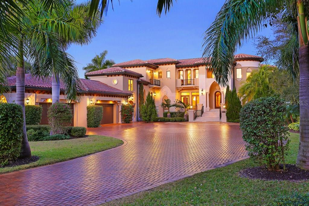 Single Family Home for Sale at 5060 Gulf Of Mexico Dr 5060 Gulf Of Mexico Dr Longboat Key, Florida,34228 United States
