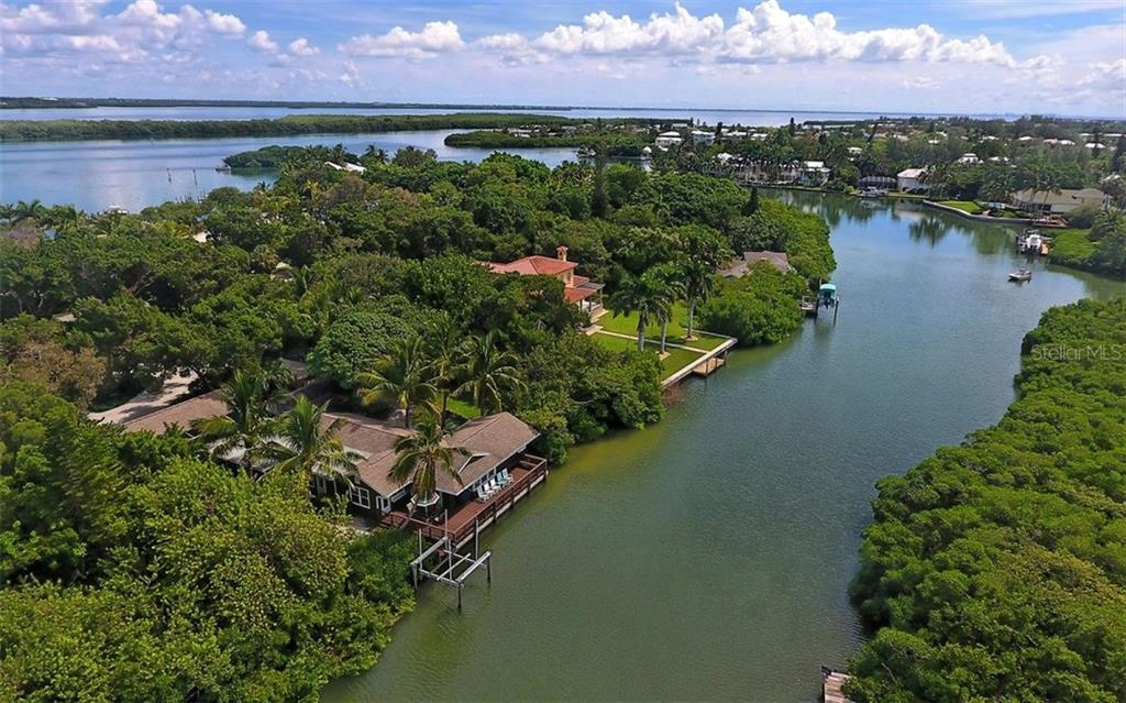 Single Family Home for Sale at 6551 Bayou Hammock Rd Longboat Key, Florida,34228 United States