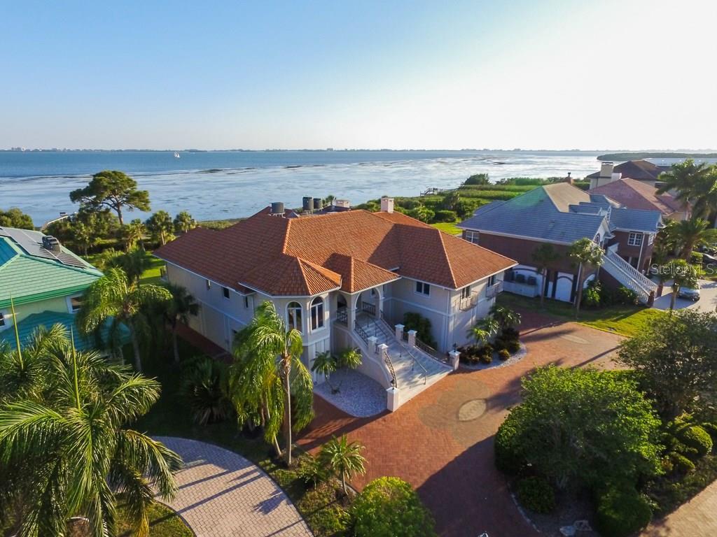 Maison unifamiliale pour l Vente à 4808 64th Dr W 4808 64th Dr W Bradenton, Florida,34210 États-Unis