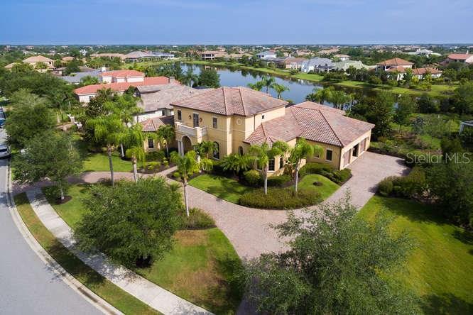 Casa para uma família para Venda às 8365 Catamaran Cir 8365 Catamaran Cir Lakewood Ranch, Florida,34202 Estados Unidos