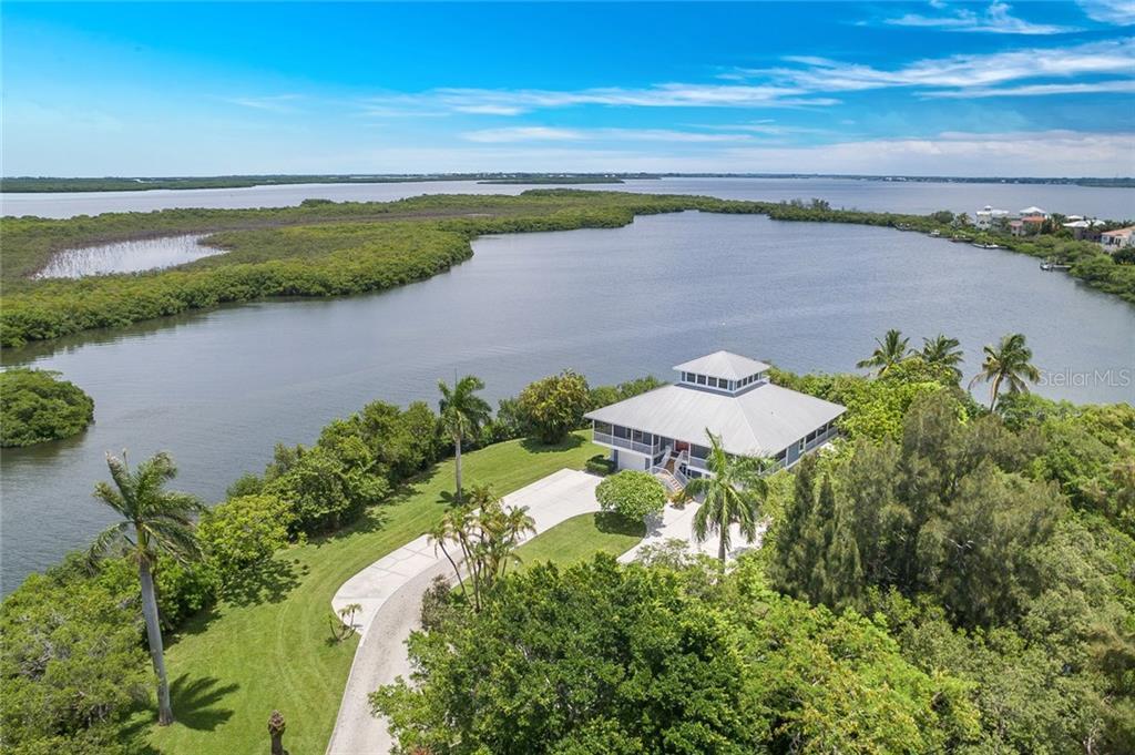 Casa Unifamiliar por un Venta en 2560 Tarpon Rd 2560 Tarpon Rd Palmetto, Florida,34221 Estados Unidos
