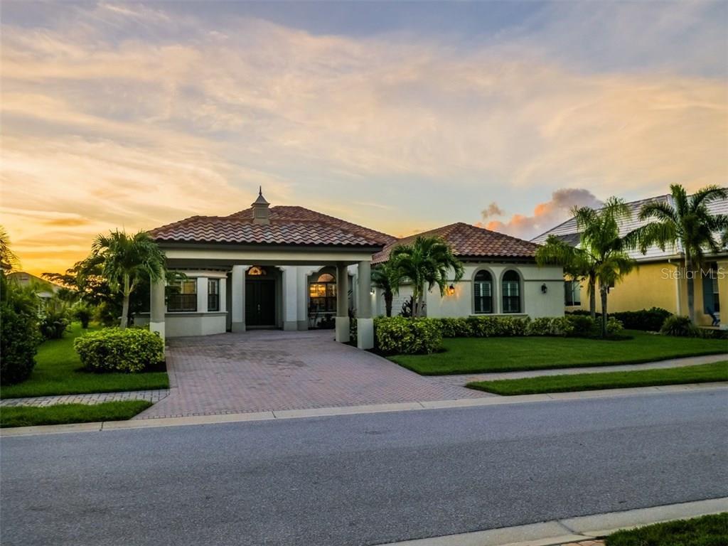獨棟家庭住宅 為 出售 在 564 Fore Dr 564 Fore Dr Bradenton, 佛羅里達州,34208 美國