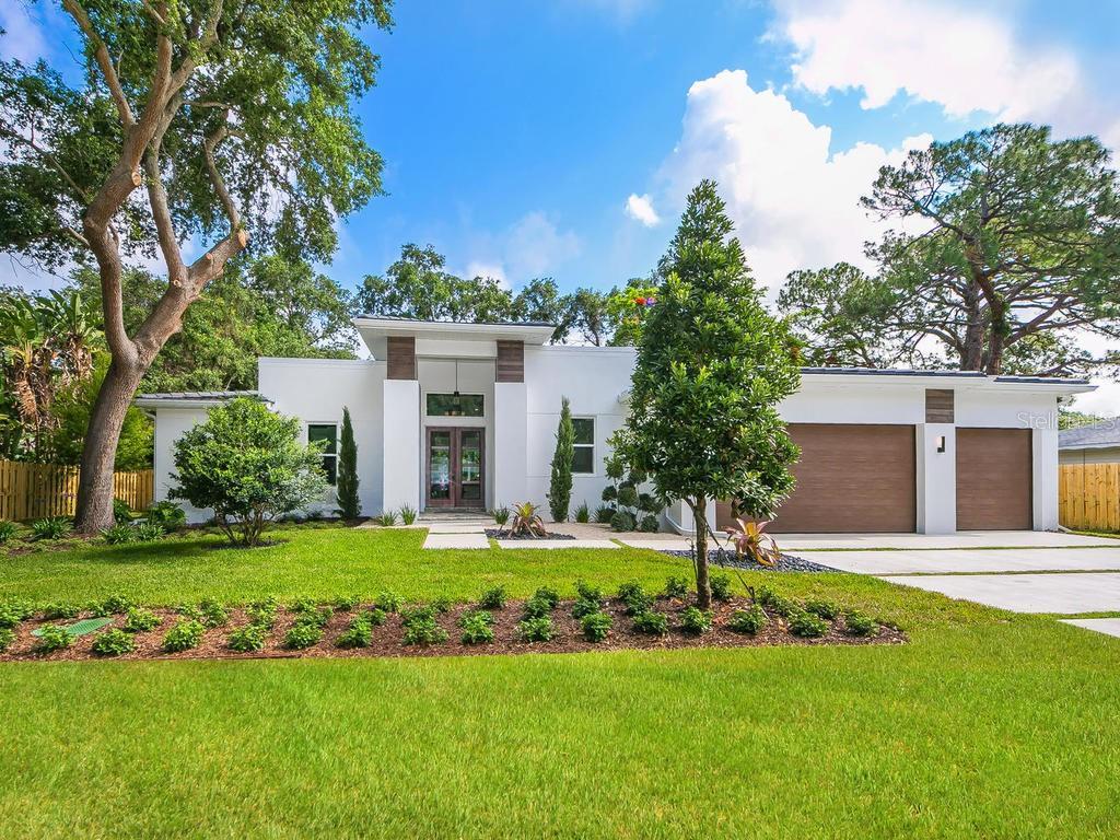 Maison unifamiliale pour l Vente à 1955 Oleander St 1955 Oleander St Sarasota, Florida,34239 États-Unis