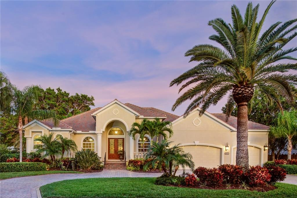 Single Family Home for Sale at 547 Blue Jay Pl 547 Blue Jay Pl Sarasota, Florida,34236 United States